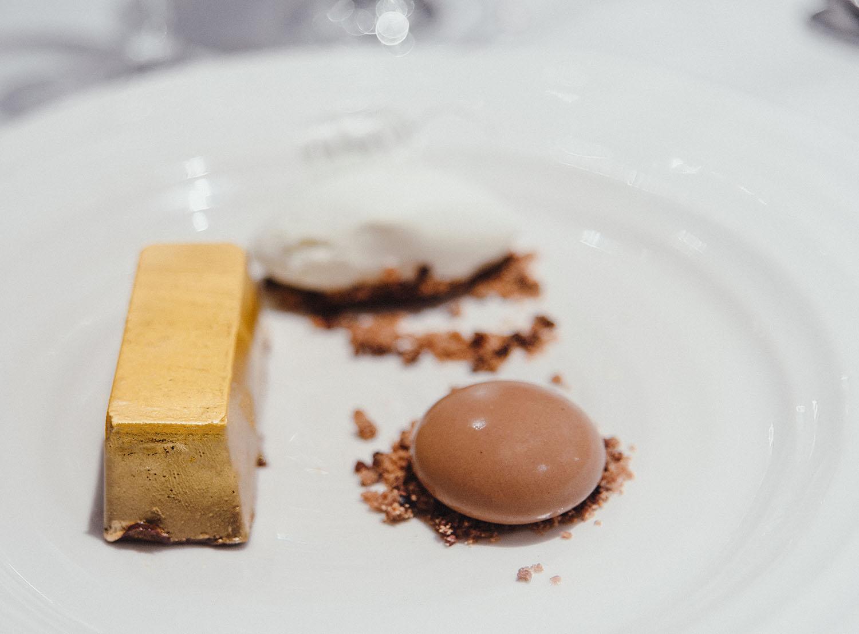 En gyllene choklad-tacka i efterrätt i Wales