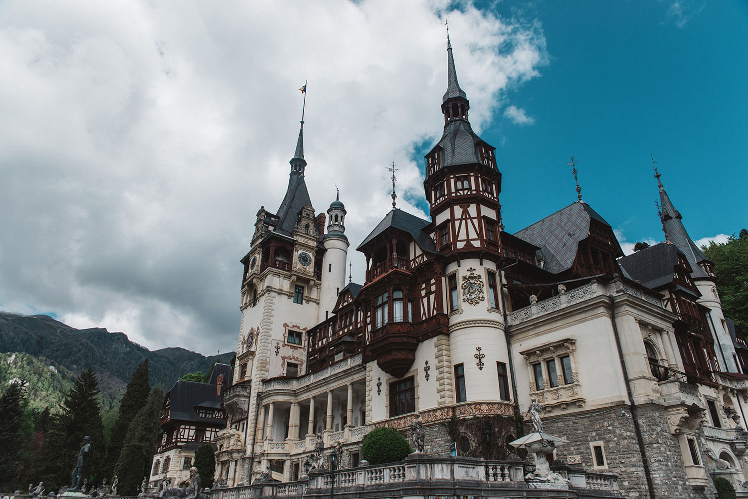 The Stunning Peleş Castle in Romania