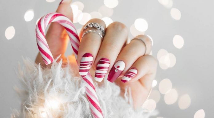 15+ Christmas Nail Art Ideas