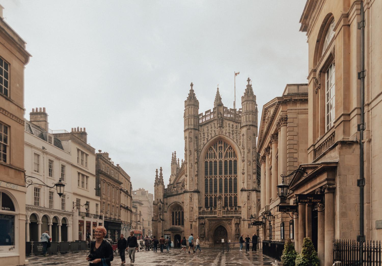 Reseguide till Bath, England |Bath Abbey, Abbey Churchyard