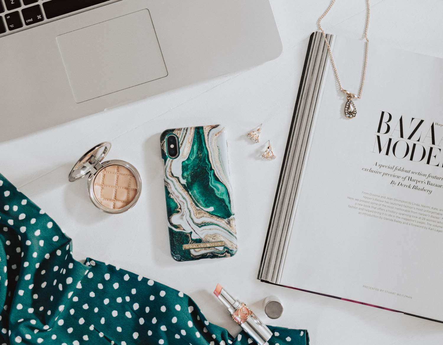 Flatlay: Golden Jade Marble from iDeal of Sweden | The Hottest Phone Cases this Fall