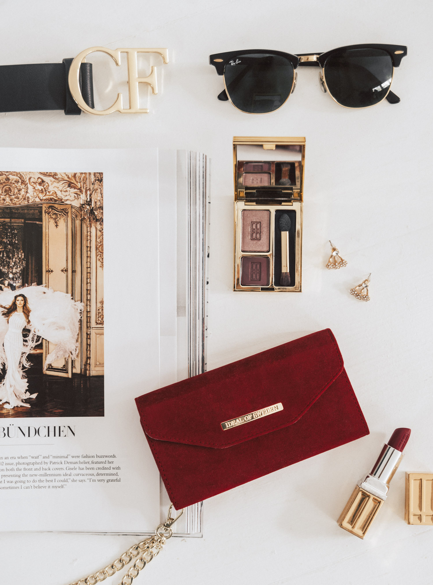 Flatlay: Mayfair Clutch Velvet Red - Beautiful iPhone Case from Ideal of Sweden