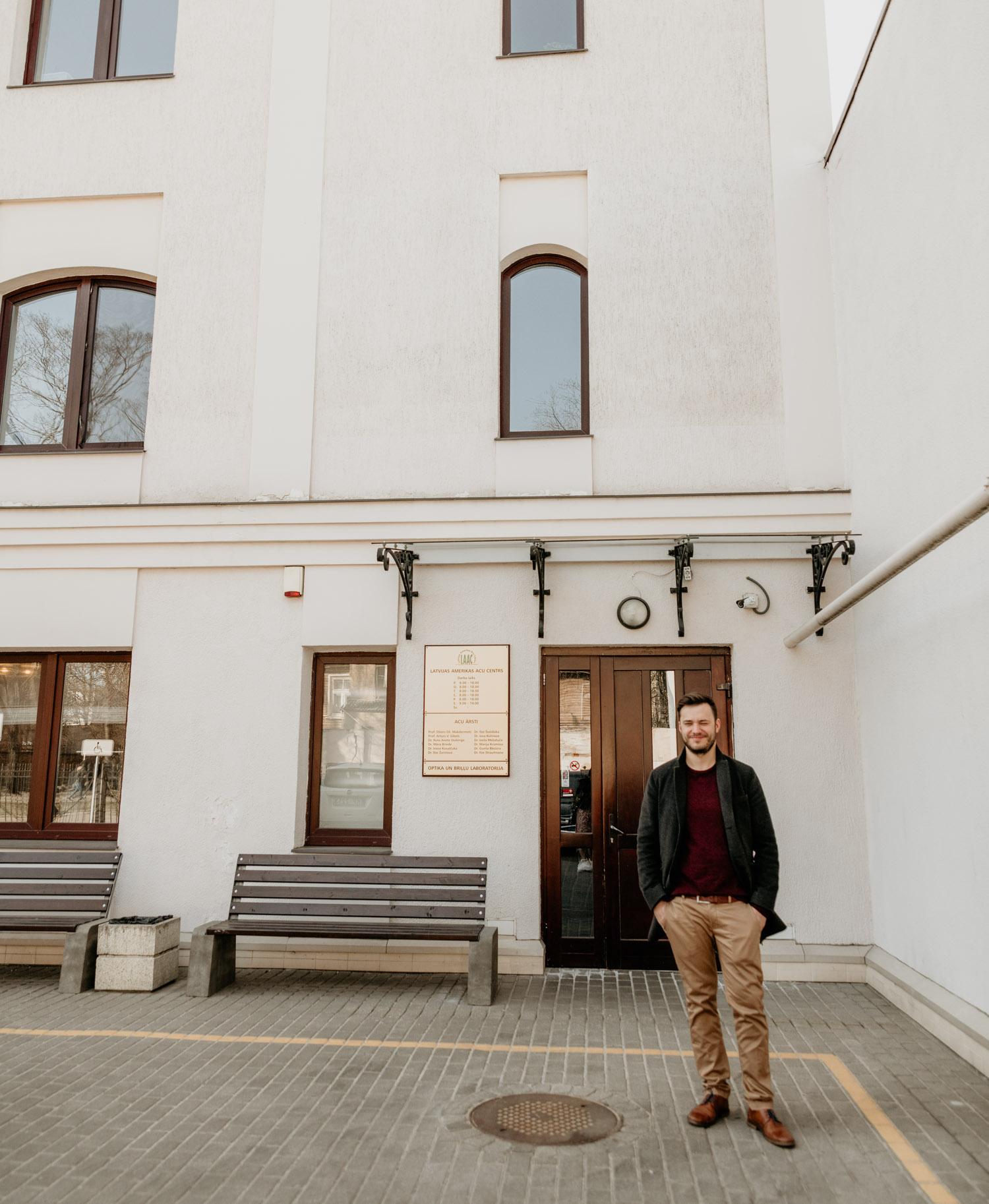 Utanför Latvian American Eye Center i Riga