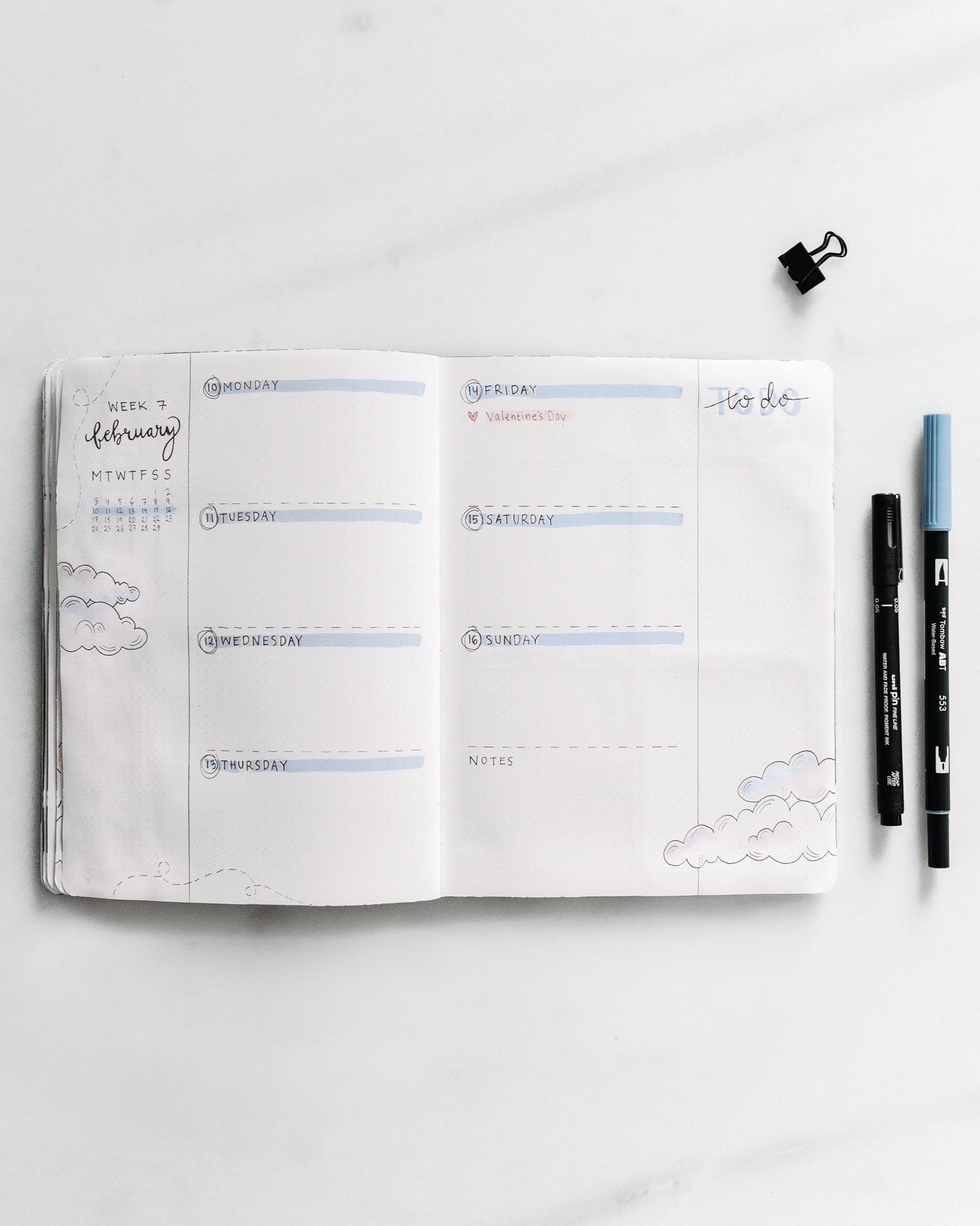 Bullet Journal Weekly Log Idea: Minimalistic Clouds