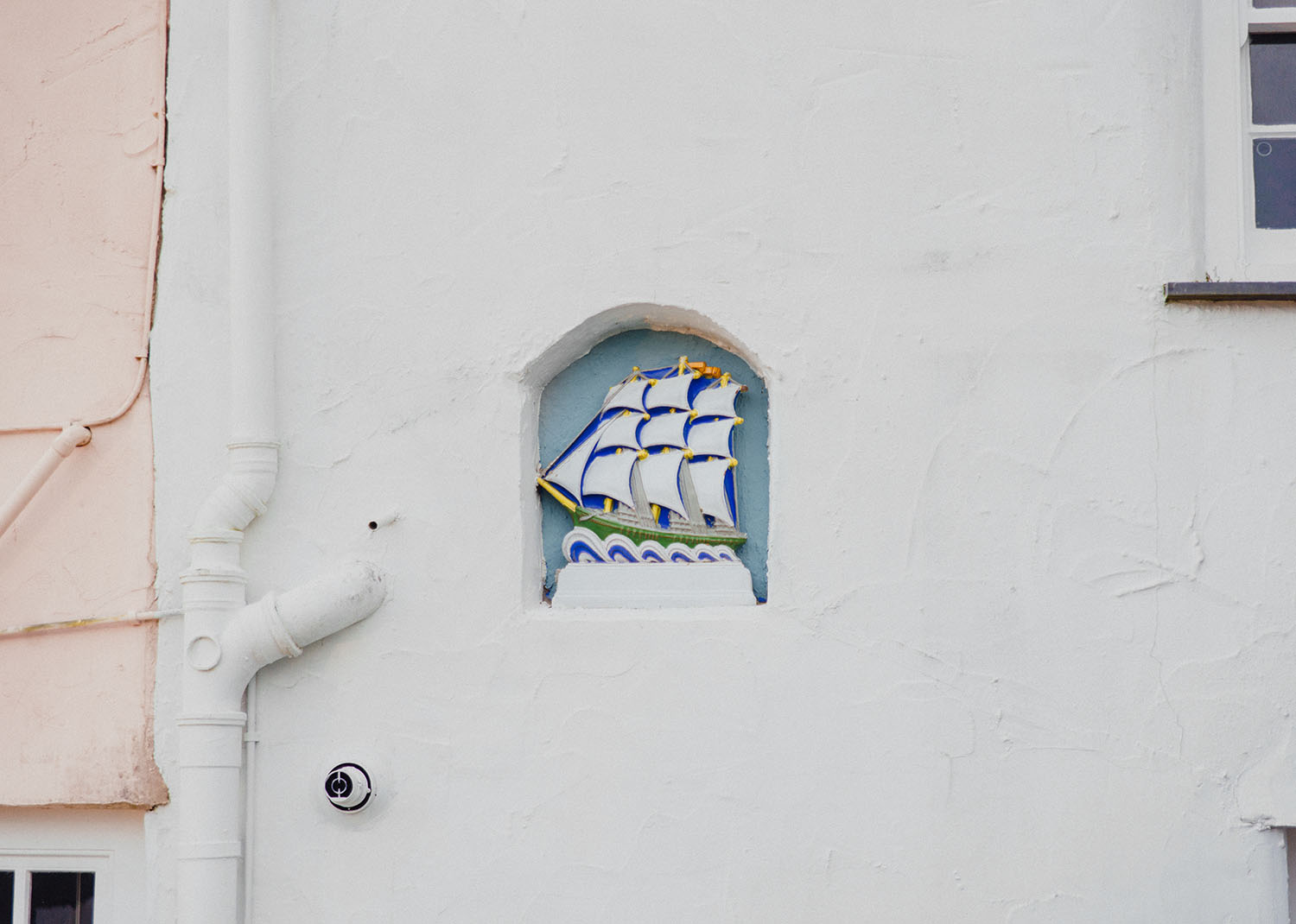 Ship in a wall - Detail shot in the Portmeirion Village