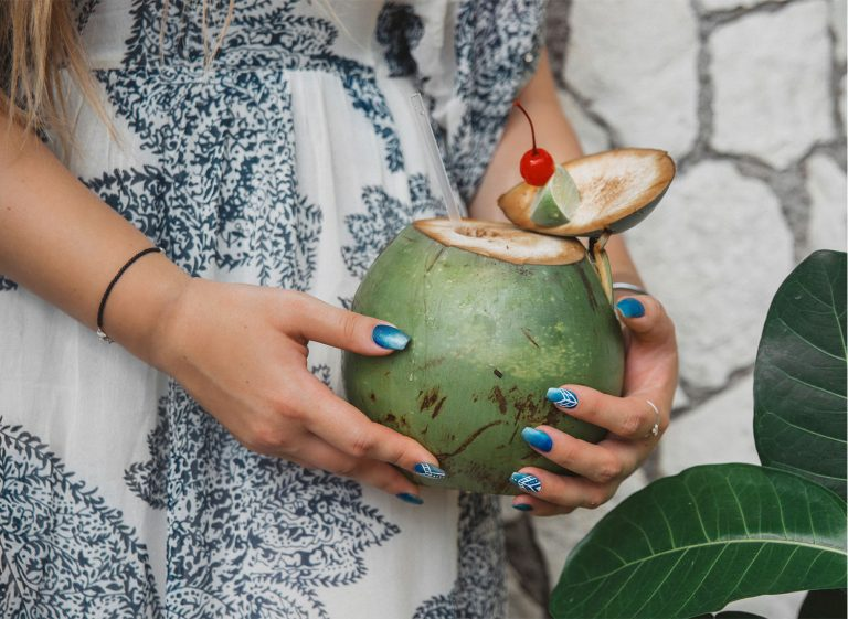 11 Easy Nail Ideas for Summer