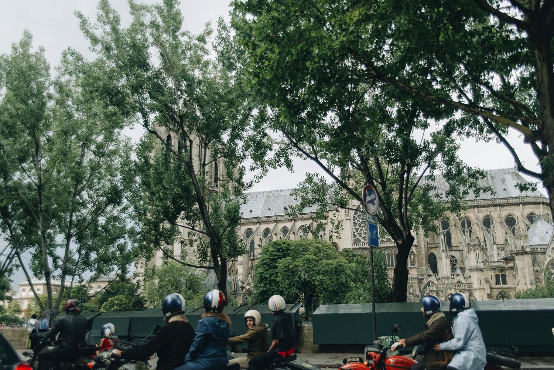 Retro Tour sidecars in Paris