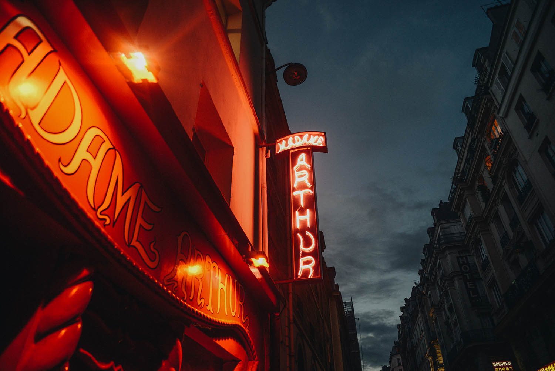 Cabaret i Paris på Madame Arthur