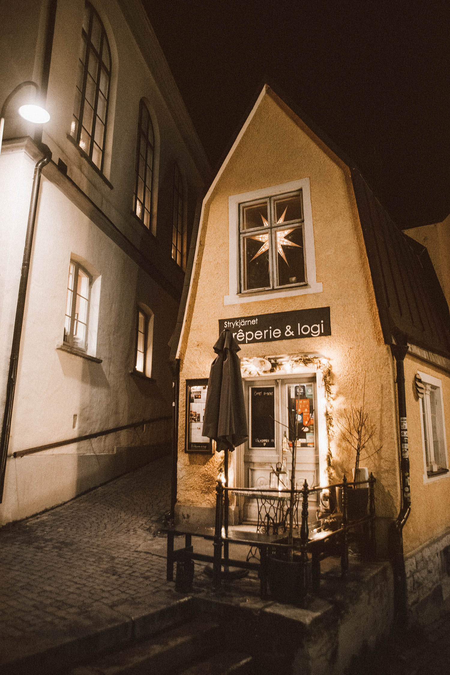 Cute house and cozy street in Visby