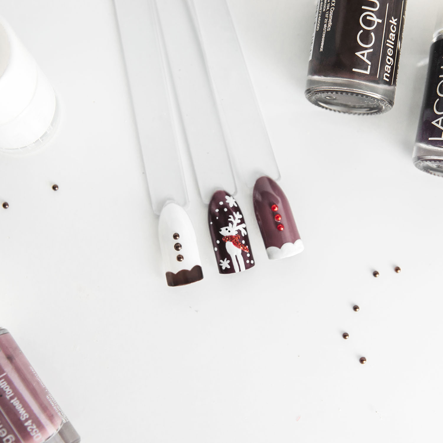 Cute Gingerbread & Reindeer Christmas Nails