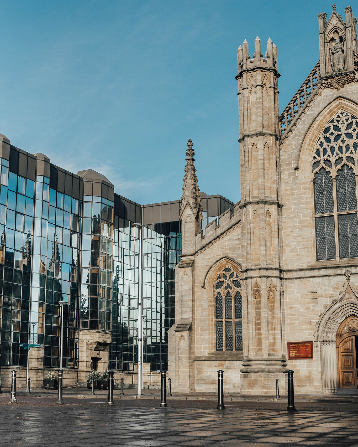 Glasgow Catholic Cathedral - New & Old Architecture next to each other
