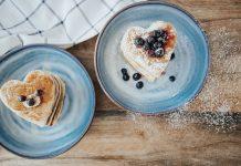 RECIPE: Fluffy Vegan Pancakes with Applesauce (Gluten-Free)