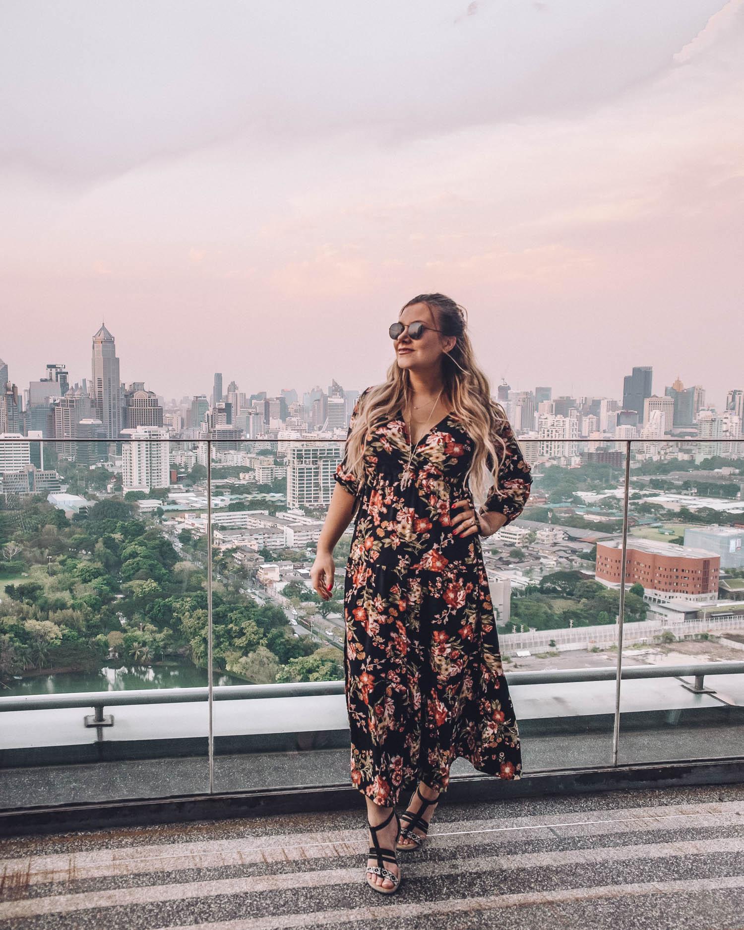 Adaras - Maxidress Outfit på So Sofitel i Bangkok, Thailand