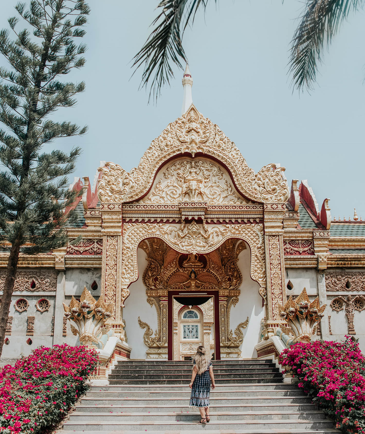 What to Wear in Thailand: Adaras Temple Outfit, Phra Maha Chedi Chai Mongkol in Roi Et