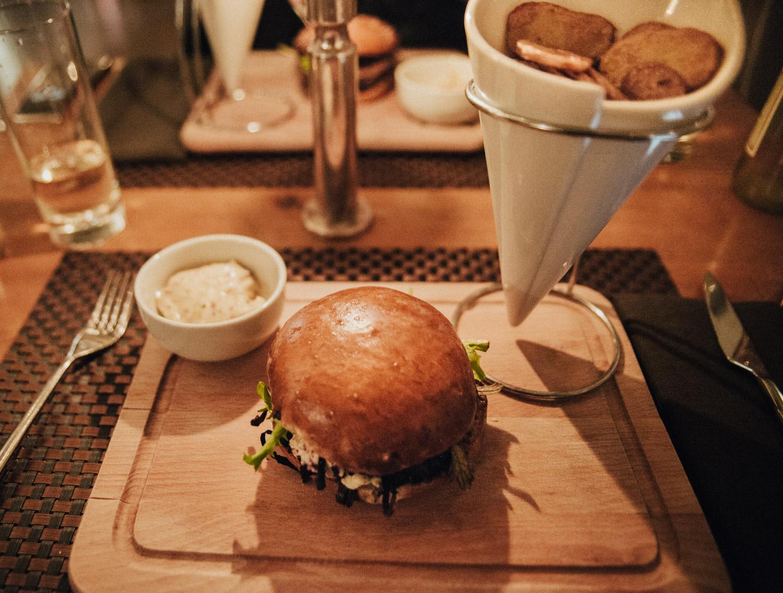 Portobello hamburger at L'Adresse Geneva