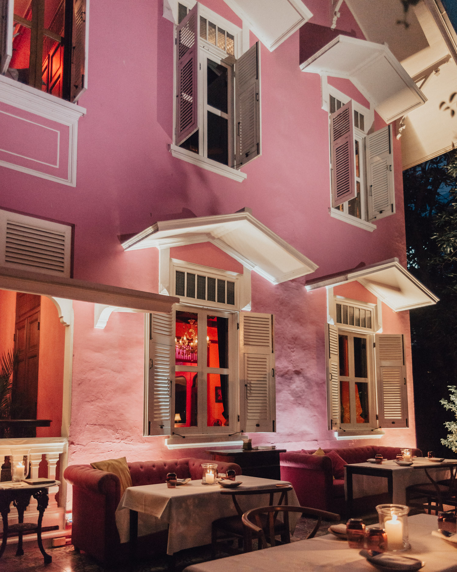 Cute Restaurant in Bangkok, at Namsaah Bottling Trust