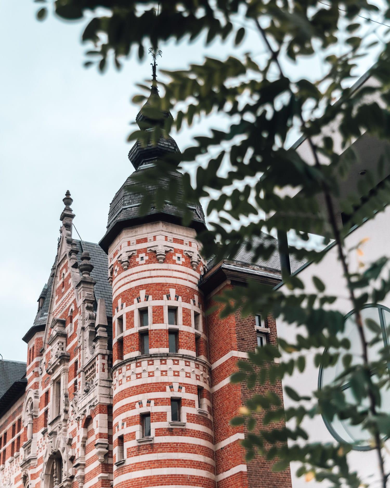 """""""De Sterre, De Sonne, De Mane"""", a building built in the Neo-Renaissance style, Zurenborg, Antwerpen, Flemish Region, Belgium"""