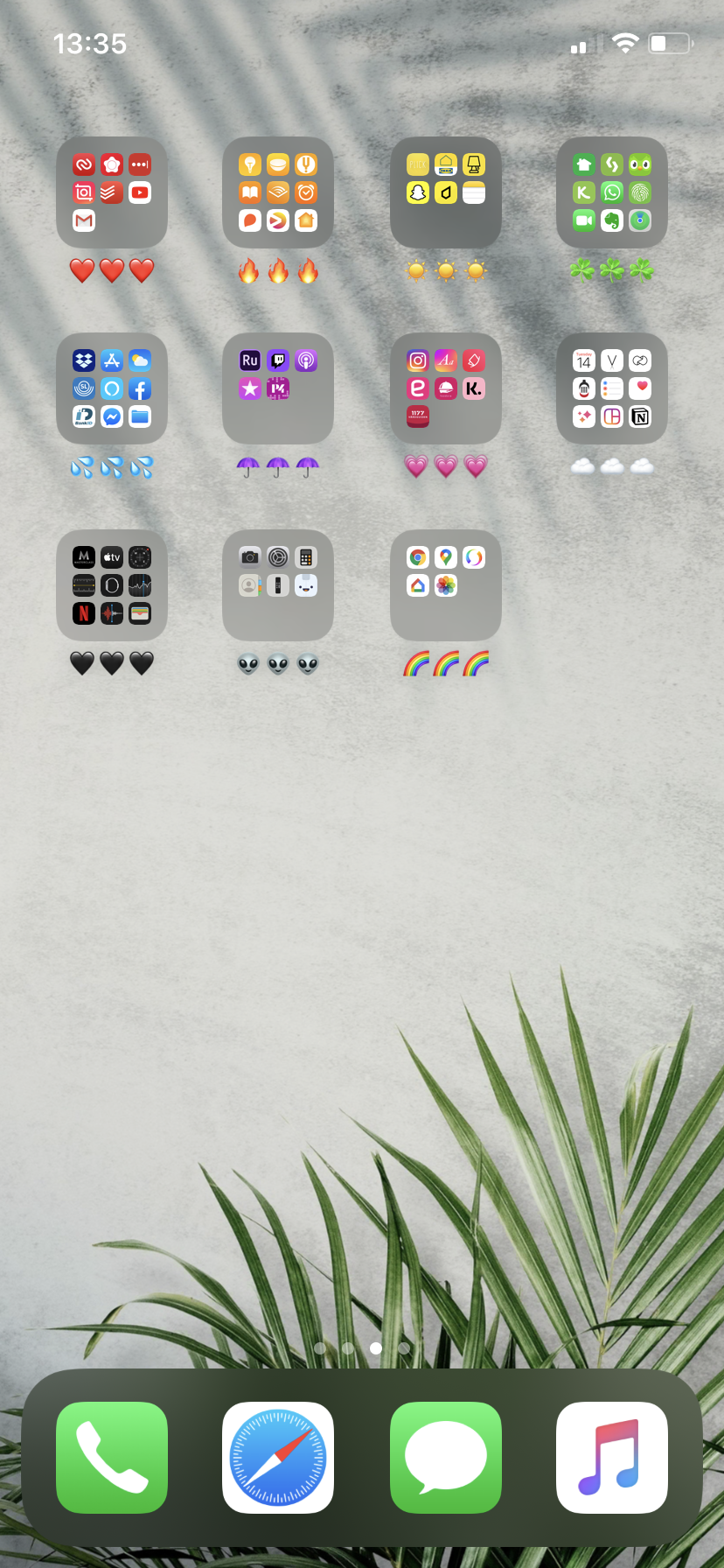 How to Organize iPhone Apps Aesthetically by Color