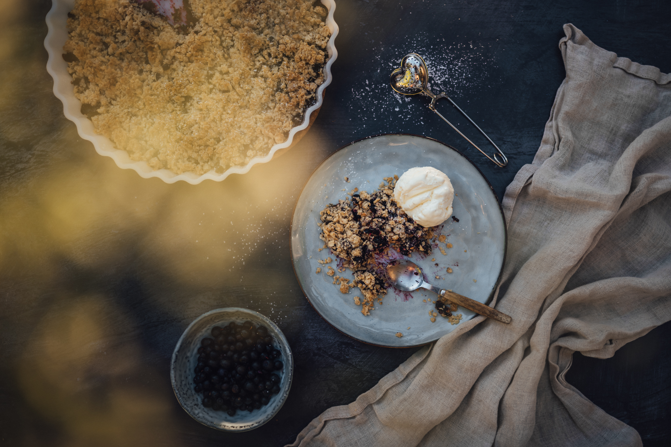 Vegan Blueberry Crumble Pie with Ice Cream