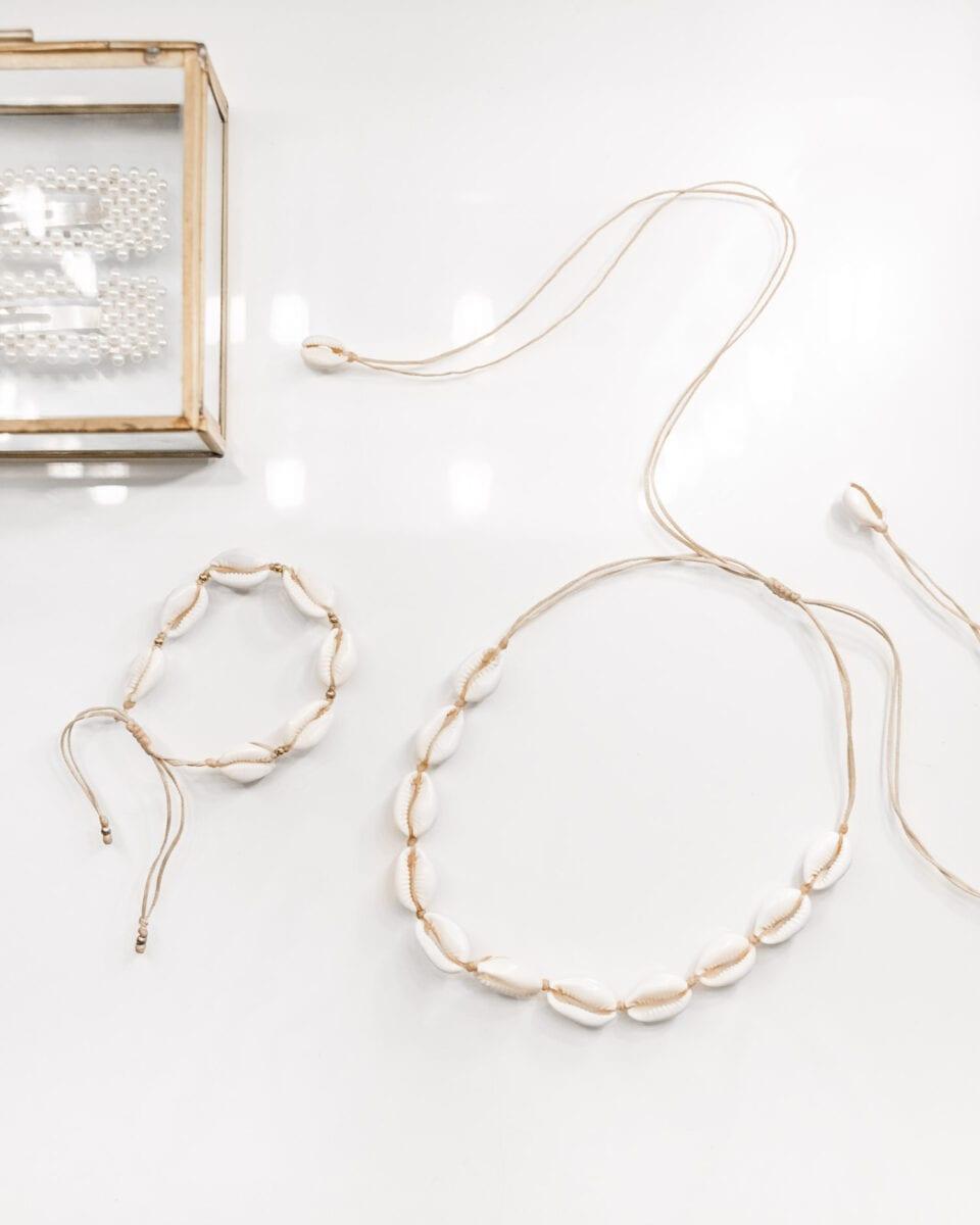 Handmade Shell Choker Necklace from Macramental, Etsy